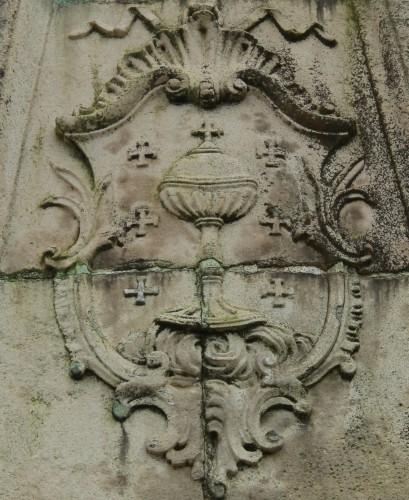 Armas del Reino de Galicia, en una piedra armera de Ferrol (s. XVIII)